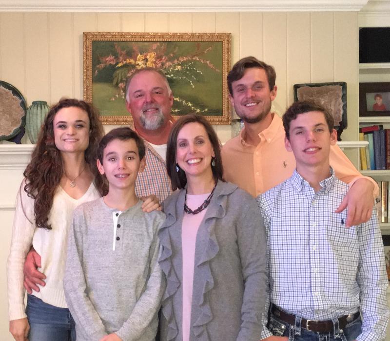 family_thanksgiving-123581.800.699.jpg